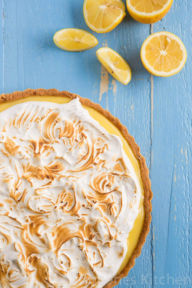 Delicious lemon meringue pie. Insimoneskitchen.com