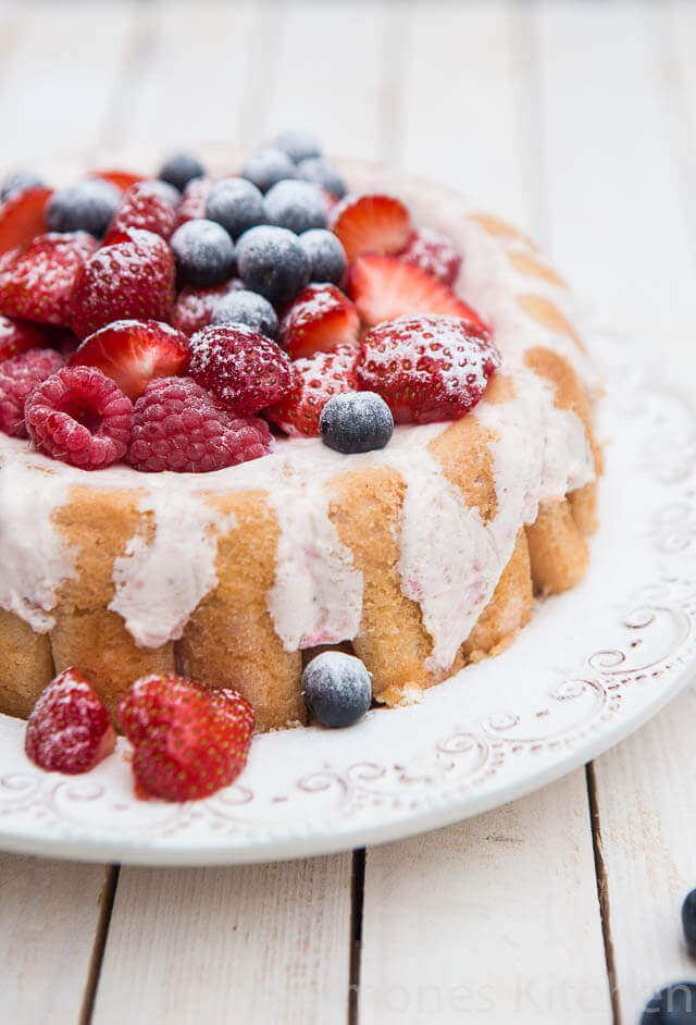 Beautiful strawberry charlotte with a limoncello twist | insimoneskitchen.com