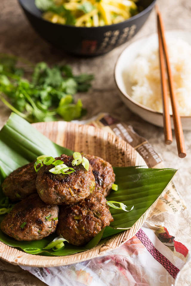 Asian hamburgers with lemon grass and fish sauce| insimoneskitchen.com