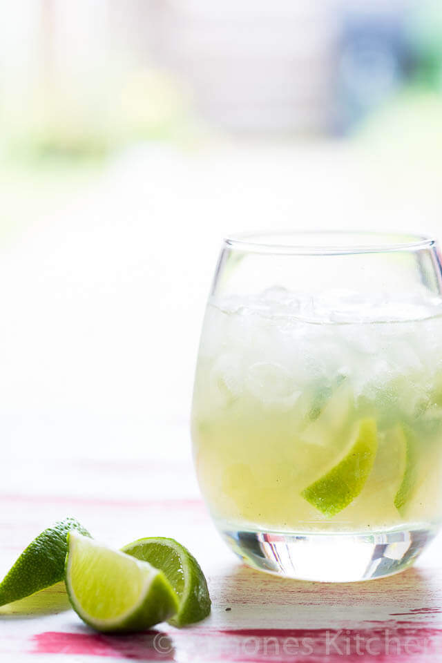 Caipirinha cocktail | insimoneskitchen.com
