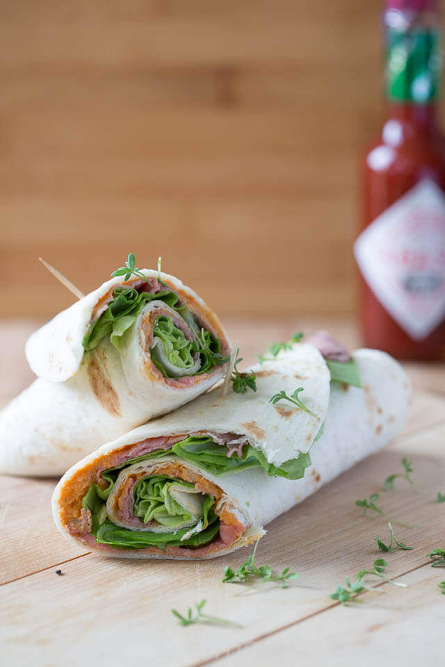 Wraps with hummus and roast beef | insimoneskitchen.com