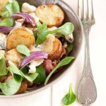Warme aardappelsalade met bacon en blauwe kaas | simoneskitchen.nl