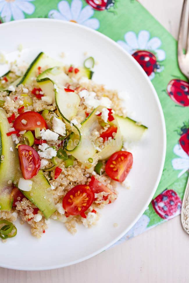 Quinoa salade met feta en tomaat