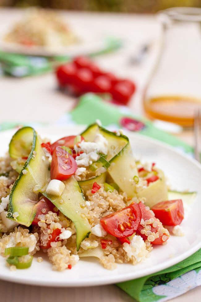 Quinoa salade met feta en courgette en tomaat | simoneskitchen.nl