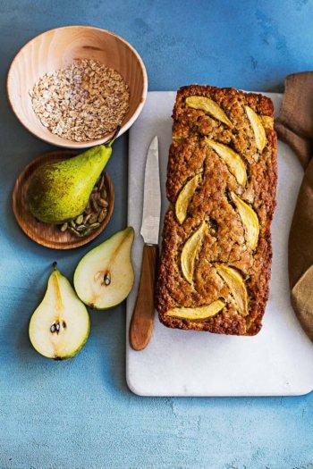 Bananenbrood met peer en kardemom   simoneskitchen.nl