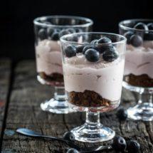Snelle cheesecake met port en blauwe bessen | simoneskitchen.nl