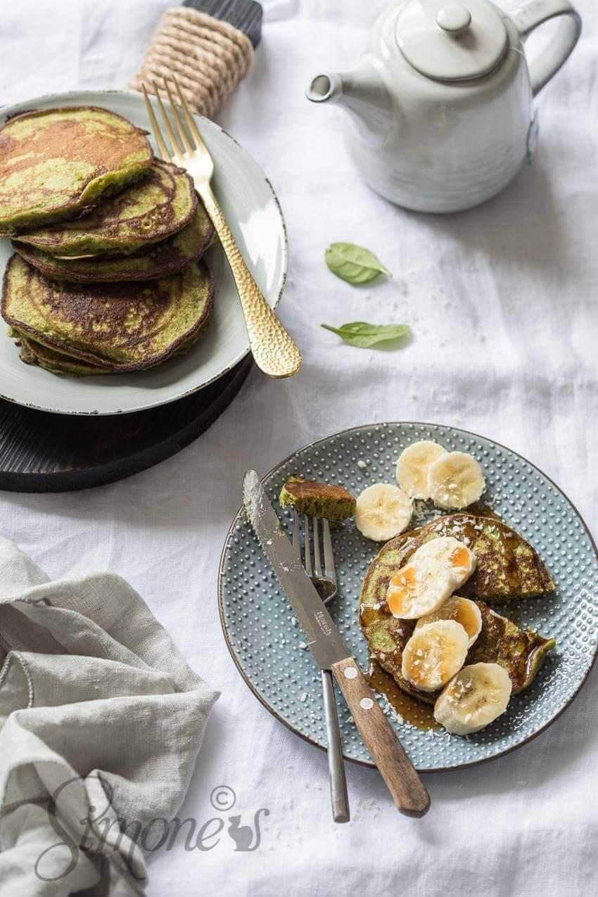 Boekweitpannenkoekjes met banaan en spinazie | simoneskitchen.nl