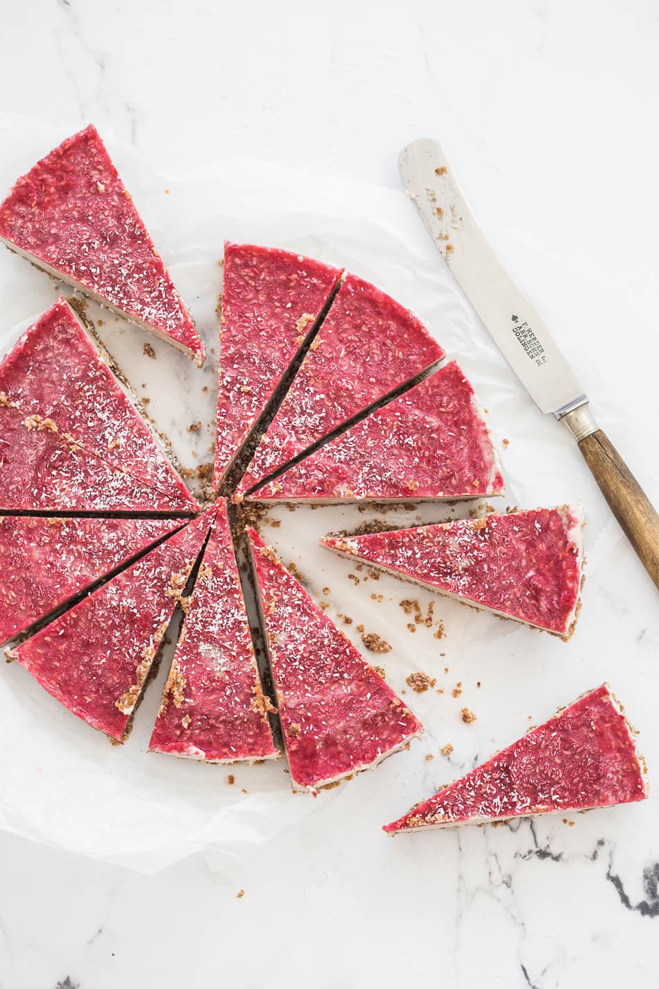 No bake paleo cheesecake met frambozen topping | simoneskitchen.nl