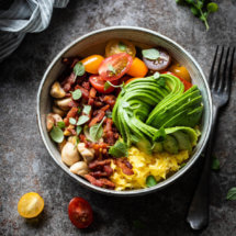 Het ultieme ontbijt met deze scrambled eggs bowl | simoneskitchen.nl