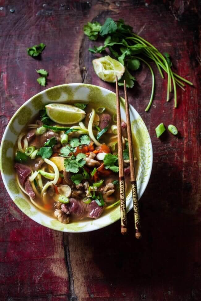 Heerlijke thaise noodlesoep (paleo, low carb)