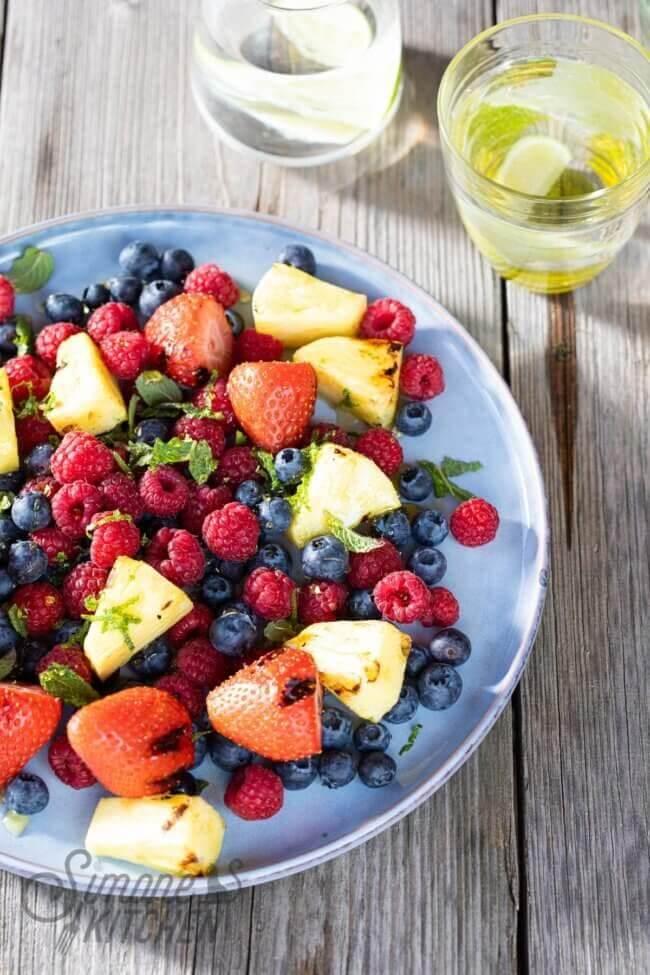 Salade van gegrild fruit